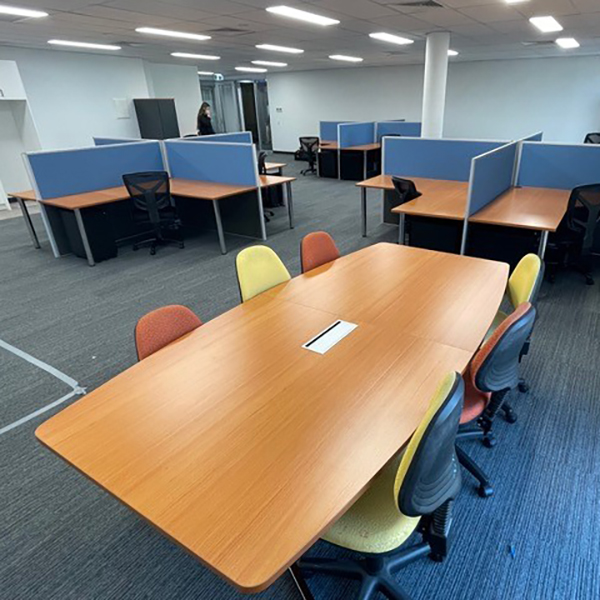 Elite Boat Shape Meeting Boardroom Conference Table 3000 x 1200 Top & Chrome Base